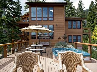 Eagles Nest - 5 BR w. Stunning Views, Hot tub & Pool Table - $350 OFF in APR! - Lake Tahoe vacation rentals