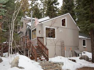 Laurel's Getaway - Remodeled 3 BR w/ Hot Tub - Tahoe Vista vacation rentals