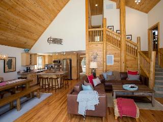 Hilo Haven - Custom 3 BR Plus Loft and Hot Tub - 10-50% OFF in MAR - Lake Tahoe vacation rentals