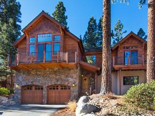 5BR/3BA Luxury Custom Estate in South Tahoe + Private Hot Tub, Sleeps 14 - South Lake Tahoe vacation rentals