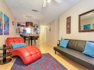 2BR/2BA Captivating South Congress Condo, Sleeps 5 - Austin vacation rentals