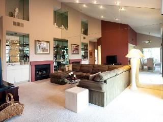 Two Bedroom Luxury Resort Condo on the Palmer Course at PGA West Sleeps 7! - La Quinta vacation rentals