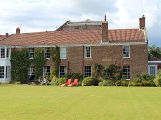 Stunning large beautiful 17th century house North - Atwick vacation rentals
