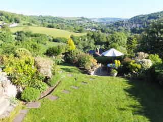 Romantic Cotswolds Cottage with STUNNING VIEWS - Minchinhampton vacation rentals