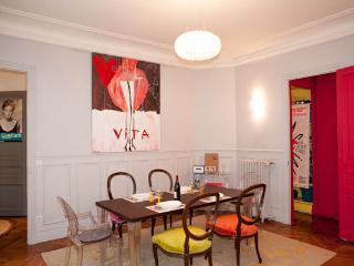 Exquisite apartment by the Canal Saint-Martin - 10th Arrondissement Enclos-St-Laurent vacation rentals