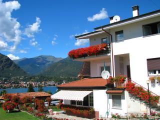 Beautiful 2 bedroom Omegna Apartment with Internet Access - Omegna vacation rentals