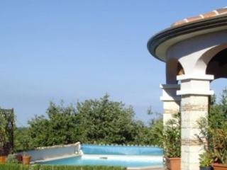 Villa with pool in tranquil setting - Zbandaj vacation rentals