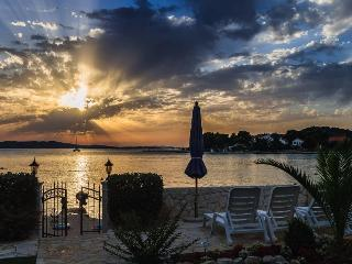 Cozy 2 bedroom Apartment in Sibenik with Internet Access - Sibenik vacation rentals