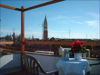 Rialto TOP TERRACE! - 10m S.Marks - Venice vacation rentals