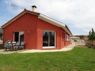 Maison 100m² au calme avec grand jardin - Trevoux vacation rentals