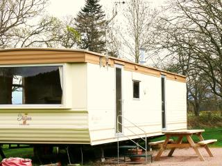 Perfect Caravan/mobile home with Television and Parking - Marybank vacation rentals
