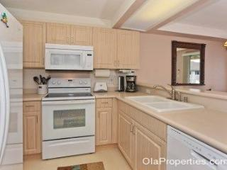 Beautiful 3 bedroom House in Kapolei with Shared Outdoor Pool - Kapolei vacation rentals