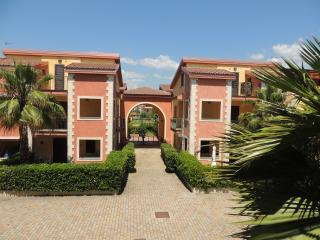 Romantic 1 bedroom Apartment in Villapiana - Villapiana vacation rentals
