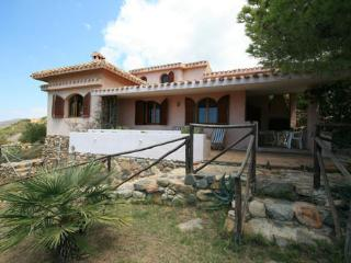 Beautiful Villa with Outdoor Dining Area and Television - Maracalagonis vacation rentals