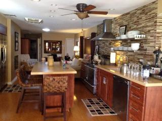 3 bed3bath,Pool&SpaFree Internet Close to golf etc - Palm Desert vacation rentals