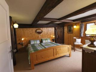 LLAG Luxury Vacation Home in Kirchzarten - 1292 sqft, beautiful, relaxing - Kirchzarten vacation rentals