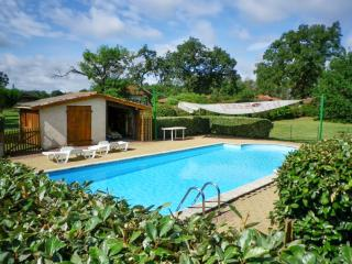 Charming house with huge garden in Aquitaine - Commensacq vacation rentals
