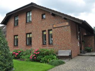 LLAG Luxury Vacation Apartment in Roetgen - 452 sqft, nice, clean (# 352) - Roetgen vacation rentals