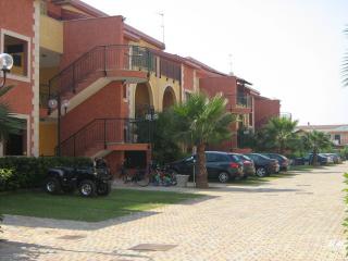 Nicola's Vacanze Trilo5 - Villapiana vacation rentals