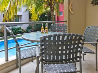 Cozy 2 bdr condo! - 3 blocks to the beach!!! - Playa del Carmen vacation rentals