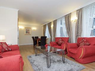 Soho Oxford Street 2 Bedroom Apartment - London vacation rentals