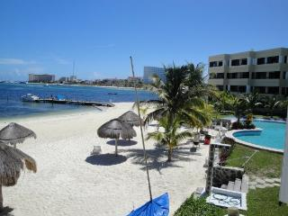 2 bedroom Apartment with Internet Access in Quintana Roo - Quintana Roo vacation rentals