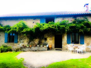 Charming 5 bedroom Vacation Rental in La Chapelle Montbrandeix - La Chapelle Montbrandeix vacation rentals