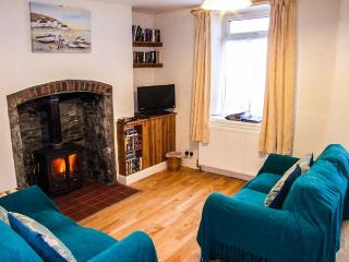 MARKET COTTAGE, king-size bed, woodburning stove, pet friendly cottage in Builth Wells, Ref: 14028 - Builth Wells vacation rentals