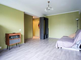 Spacious 1 bdr apartment close to the center - Krasnogvardeysky District vacation rentals