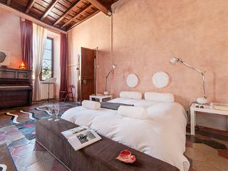 Dolce Vita *** Cocoon Historical center (ROME) - Lazio vacation rentals