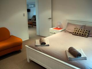 Beautiful 2 bedroom Vacation Rental in Mairangi Bay - Mairangi Bay vacation rentals