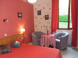 Nice Condo with Internet Access and Central Heating - Capvern-les-Bains vacation rentals
