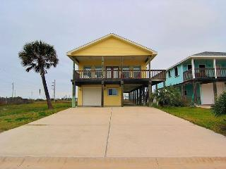 3 bedroom 3.5 bath home with beach access and some unique amenities! - Port Aransas vacation rentals