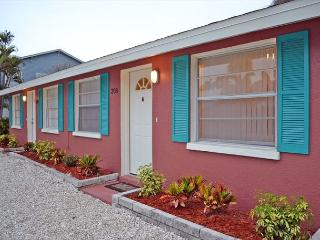 Walk to the Beach and More from this Renovated Anna Maria Island Rental - Anna Maria Island vacation rentals