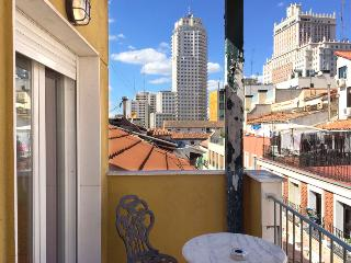 Madrid Gran Via Penthouse (free WIFI) A - Madrid vacation rentals