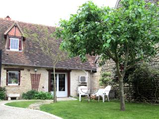 Comfortable 1 bedroom Cottage in Le Blanc with Internet Access - Le Blanc vacation rentals