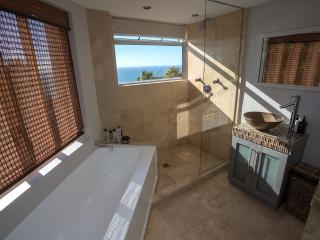 Camps Bay Luxury 2 bedroom furnished apartment - Bakoven vacation rentals