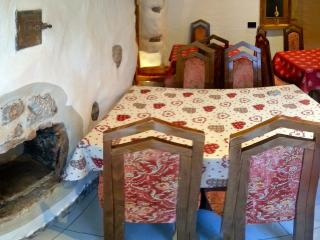 La Stube dei Partel camera Romantica - Ziano di Fiemme vacation rentals