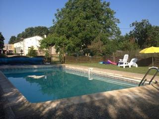Perfect Cottage with Internet Access and Satellite Or Cable TV - Messe vacation rentals