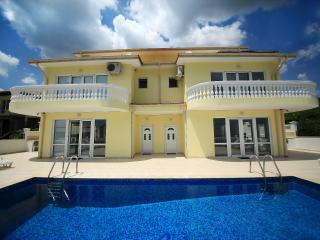 "Summer Holiday in Balchik at Villa ""EMLOTI"". - Balchik vacation rentals"