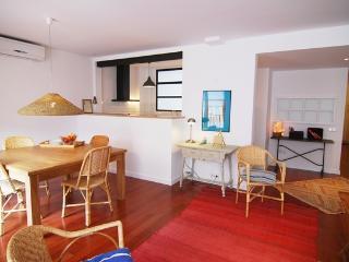 FS2- Hospital Clínic, Sunny Eixample Apartment - Barcelona vacation rentals