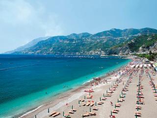 villa at 20mt from beach. near amalfi. with wi-fi. - Maiori vacation rentals