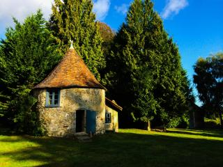 Charming Gite with Internet Access and Central Heating - La Chapelle Montbrandeix vacation rentals