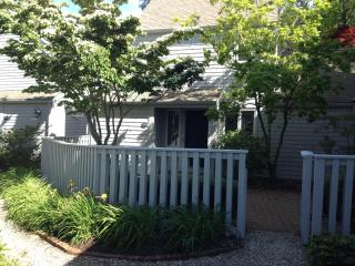 Affordable Luxury -3bd/3ba -$2,300 w/Linens Incl - New Seabury vacation rentals
