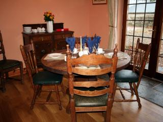 Bright 3 bedroom Lodge in Ballyshannon with Internet Access - Ballyshannon vacation rentals