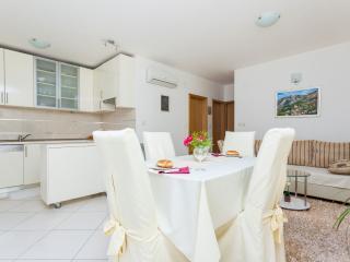 2 bedroom Condo with Internet Access in Cavtat - Cavtat vacation rentals