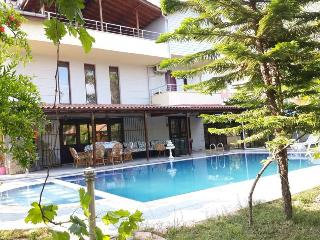 Comfortable 5 bedroom Villa in Kemer - Kemer vacation rentals