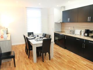 Perfect 4 bedroom Gite in Lens with Dishwasher - Lens vacation rentals