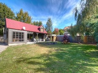 The Red Cottage - New Zealand vacation rentals