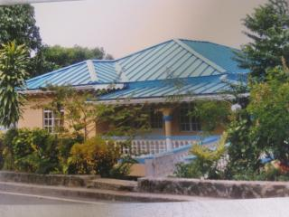 Lovely 3 bedroom House in Castries - Castries vacation rentals